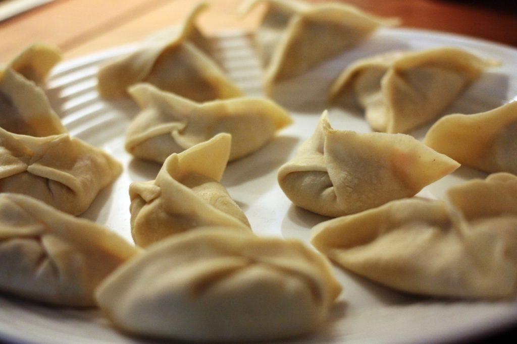 ravioli cinesi con la pasta fresca fatta in casa